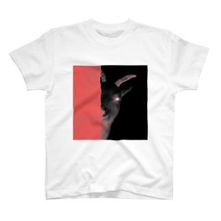 ほほ笑む悪魔の丁シャツ T-shirts