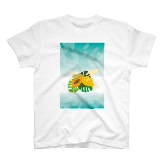 フレッシュなフルーツのパパイヤとモンステラ T-shirts