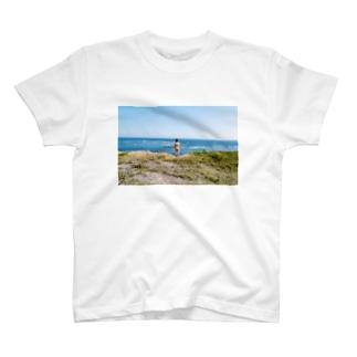崖の上 T-shirts