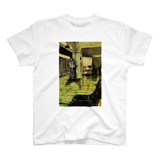 地下鉄 T-shirts