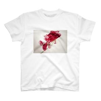 金魚花 T-shirts