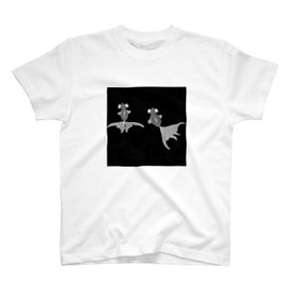 金魚柄 T-shirts