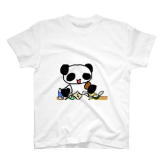 過食パンダ T-Shirt
