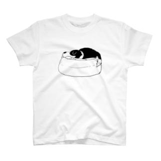 寝るルーカスくん T-shirts