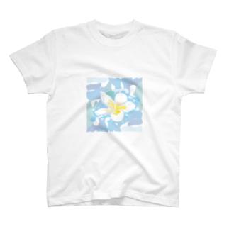 南国のハワイの白い花プルメリアPlumeria T-shirts