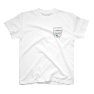 醒叶屋〔さかなや〕のポケットにグッピー(パープル) T-shirts