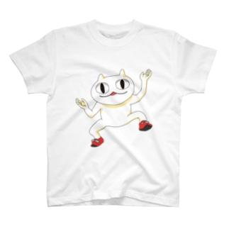 猫ではない謎の生物スッフ T-shirts