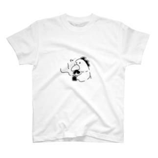 にわとりがひと休み モノクロ T-shirts