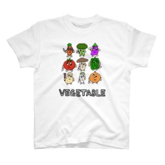 パンダ夫婦のコリコリ商店の狂ったベジタブルくんTシャツ T-shirts