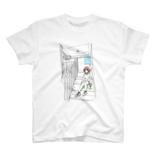 階段ちゃん T-shirts