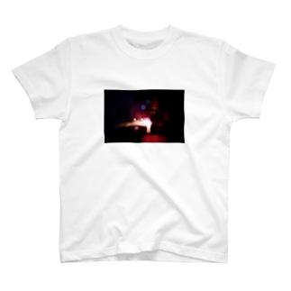 canon - 花火 T-shirts
