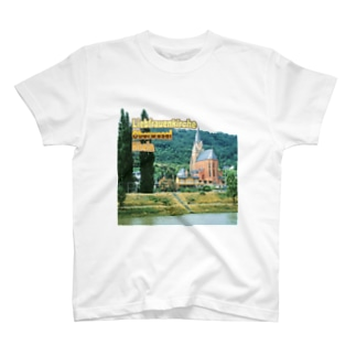 FUCHSGOLDのドイツ:ライン川と教会 Germany: Church at Rhein/ Oberwesel T-shirts