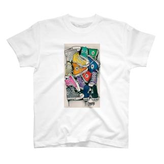 靴 T-shirts