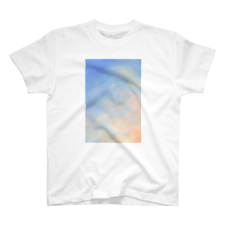 午前7時前  冬の朝 T-shirts