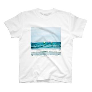 海と空と青 T-shirts