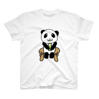 クリームソーダを飲むパンダ T-shirts