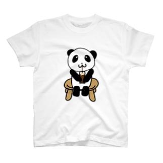 コーラフロートを飲むパンダ T-shirts