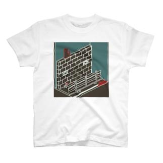 ド歩道 T-shirts