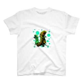 【報告】爬虫類にカメラを持たせたらこうなります T-shirts