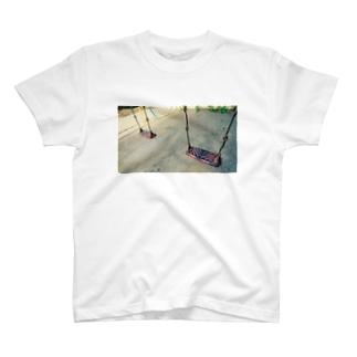 帰れないあの日 T-shirts