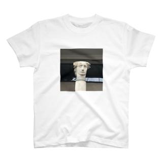 ロンドンの街角 T-shirts