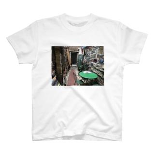 ヴェネツィアの古本屋 T-shirts