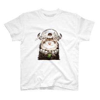 いちごだわし🐹のチャリティグッズ*先祖の頭骨を頭に乗せたフェレットちゃん T-shirts