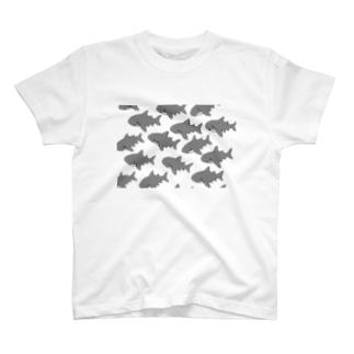 ふわふわ ホオジロザメだらけ T-shirts