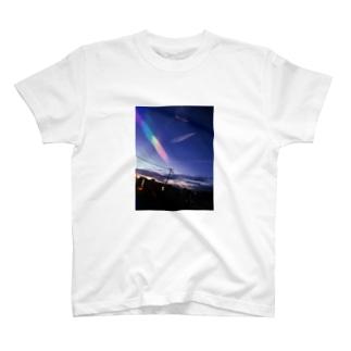 今日の明日の真ん中で【空】 T-shirts