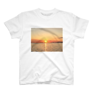 朝陽 T-shirts