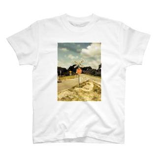 MI7TA9の標識フェチ T-shirts