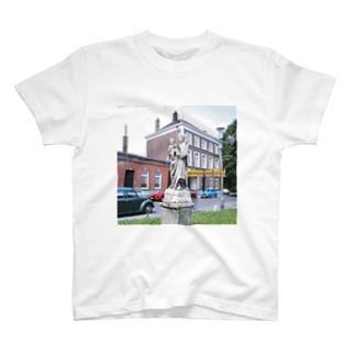 ベルギー:聖母子像 Belgie: Madonna and Child T-shirts