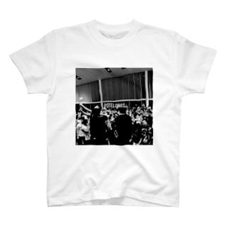 黒3 T-shirts
