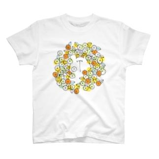 お花畑からこんにちは T-shirts