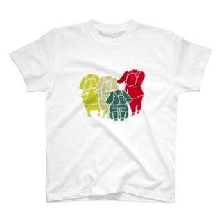 パグ四兄弟 T-shirts
