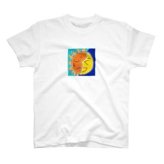 わらう月 なく太陽 T-Shirt