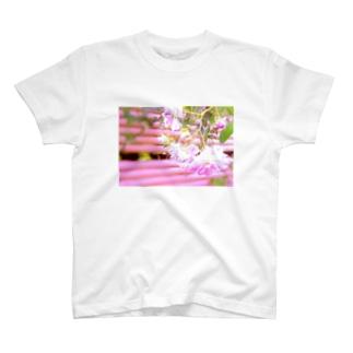 ピンクの想い出 T-shirts