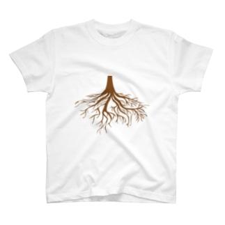 根っこはってこ T-shirts