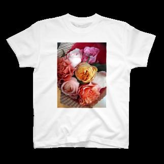 七色花面の薔薇のリズム感♪ T-shirts