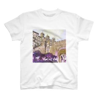 CG絵画:ぺーナ宮殿の風景画 CG art: Palácio Nacional da Pena / Portugal T-shirts