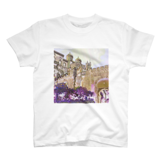 FUCHSGOLDのCG絵画:ぺーナ宮殿の風景画 CG art: Palácio Nacional da Pena / Portugal T-shirts