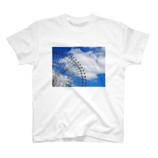 空の近くまで T-shirts