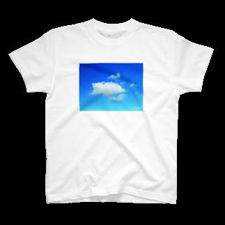 錆猫の館のほっこり♪クマさんの雲 T-shirts