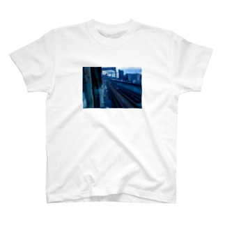 City-S 仙台駅ホームから見た線路 T-shirts