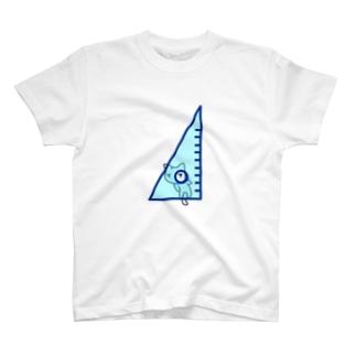 三角定規の穴をのぞくネコ T-shirts