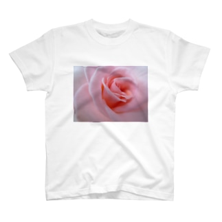 少女の手がかり T-shirts