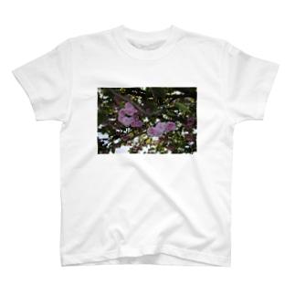残った桜 T-shirts