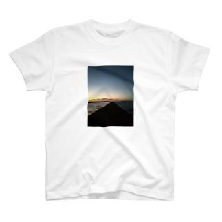 テトラポット T-shirts