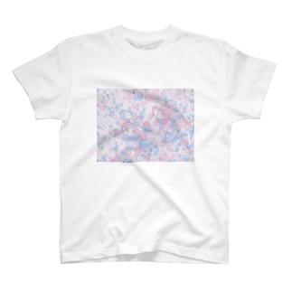 メルヘンな女の子 T-shirts