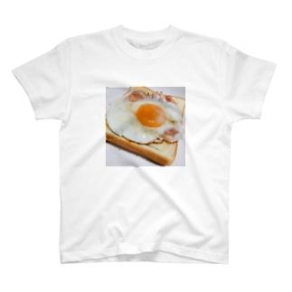 ベーコンエッグ食パン T-shirts